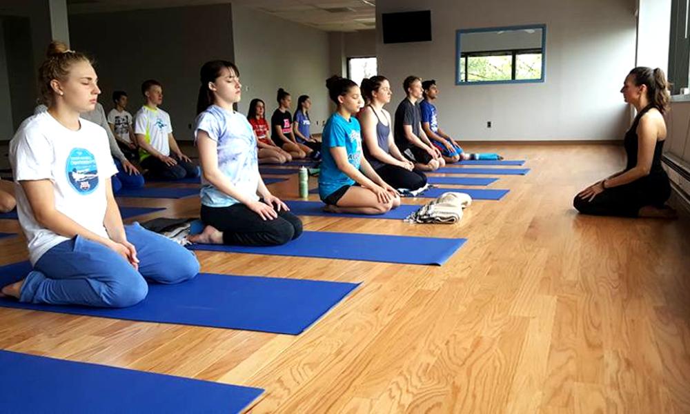 kikayoga-easypose-meditation-swimmers.jpg