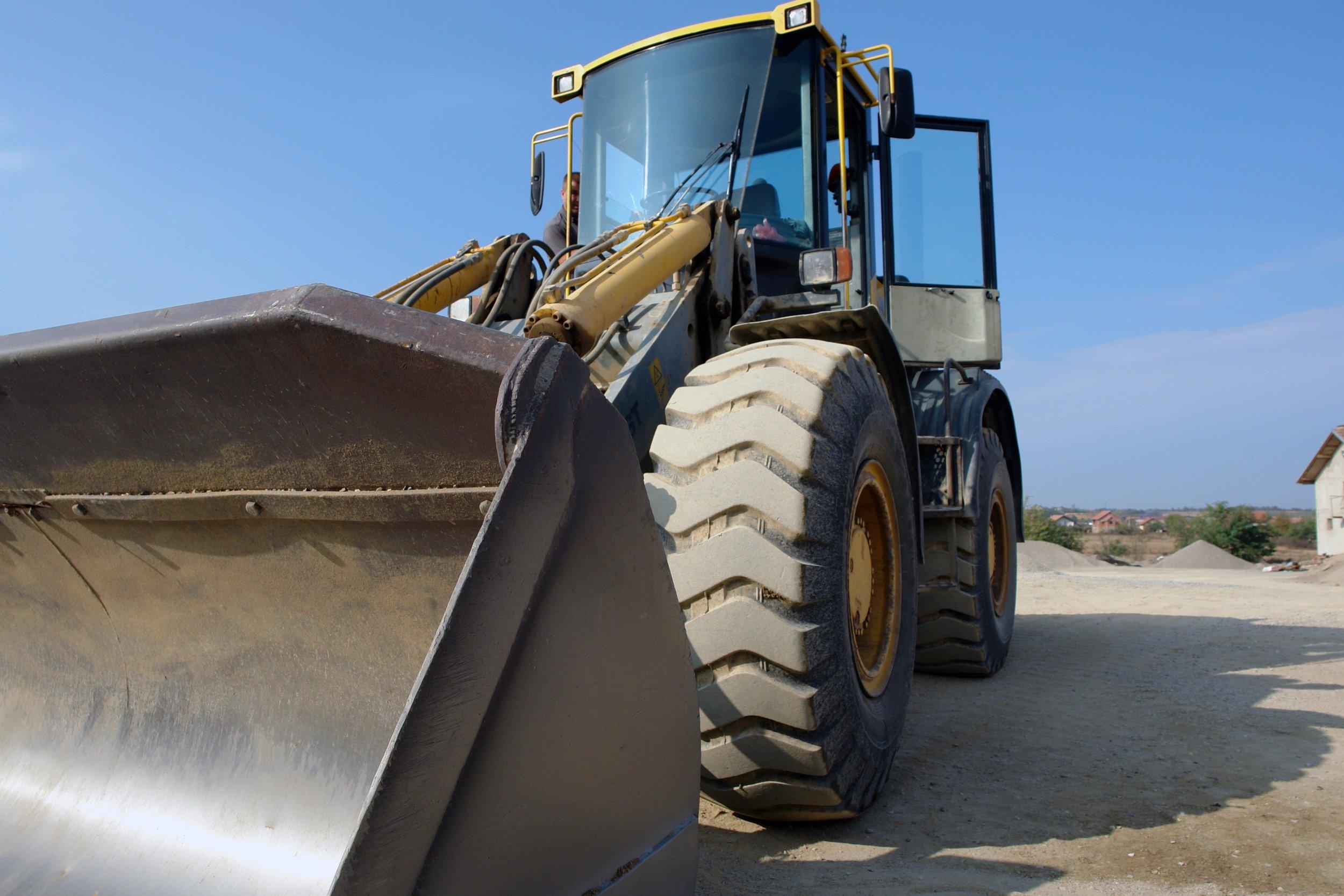 bulldozer-clear-sky-construction-533224.jpg