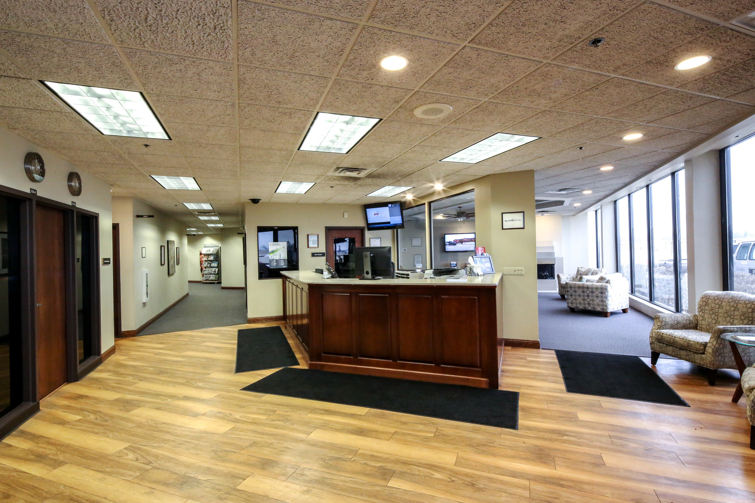 WAUKEGAN NATIONAL AIRPORT OFFICE - 20,000-SF / Design-BuildWaukegan, Illinois