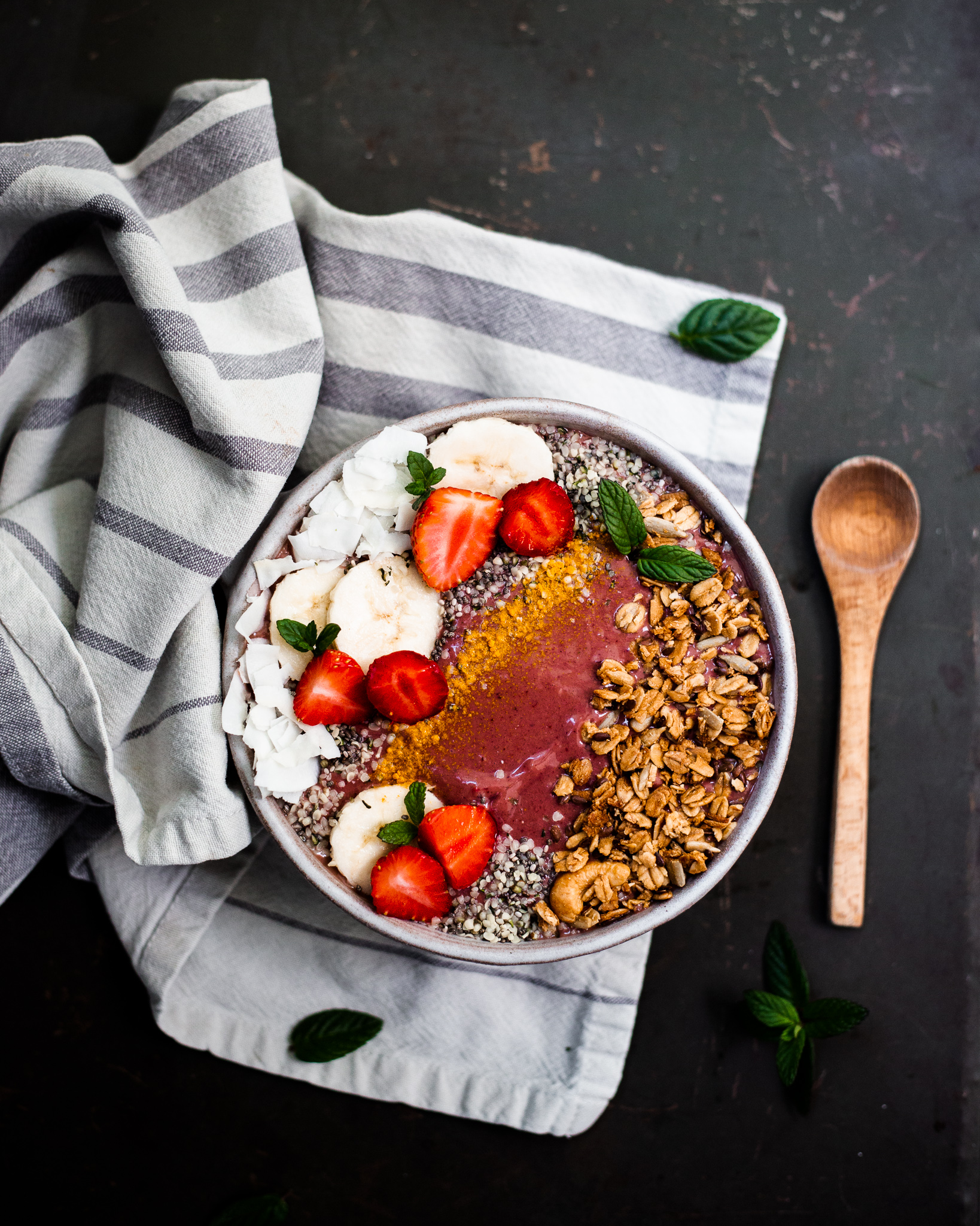 Anti-Inflammatory Watermelon Mint Smoothie Bowl