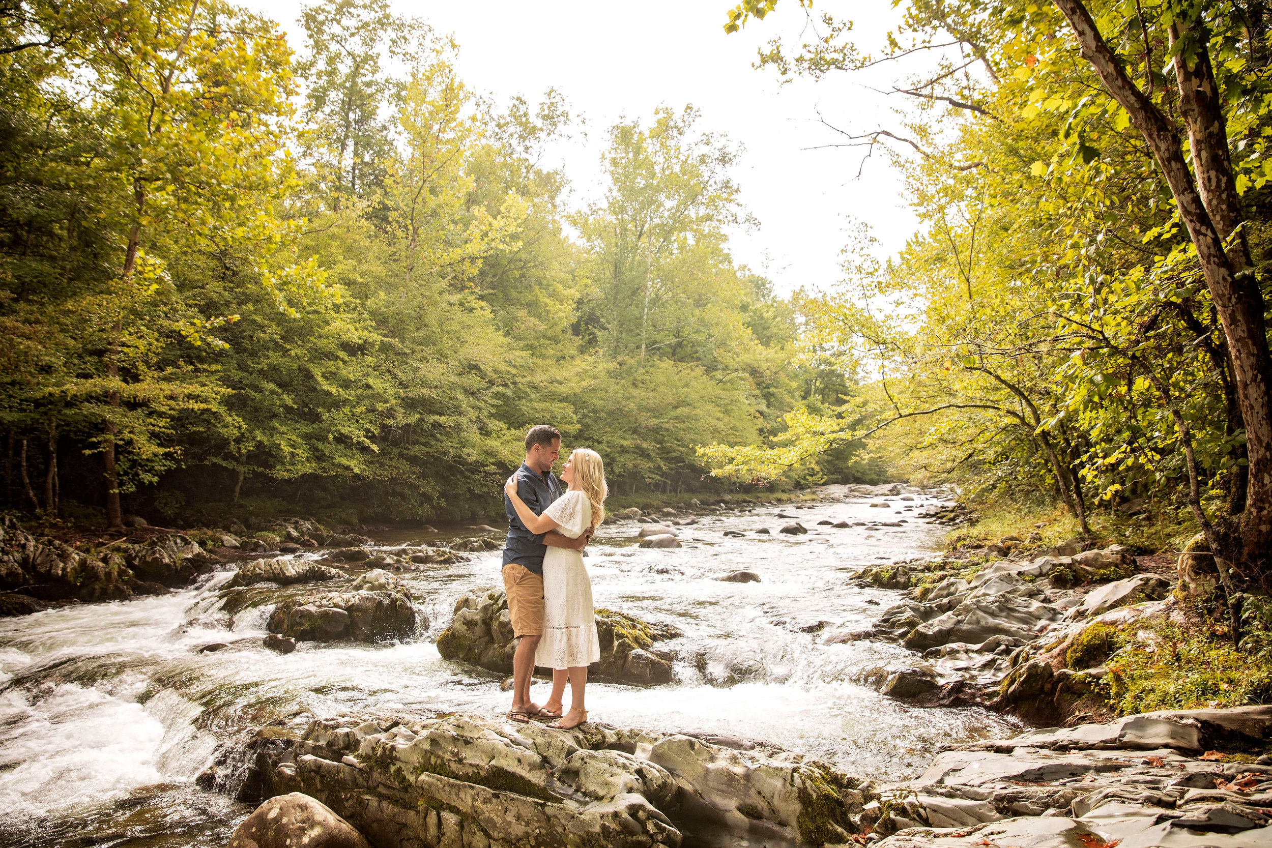 gatlinburg-wedding-photography-elopement-on-riverside.jpg
