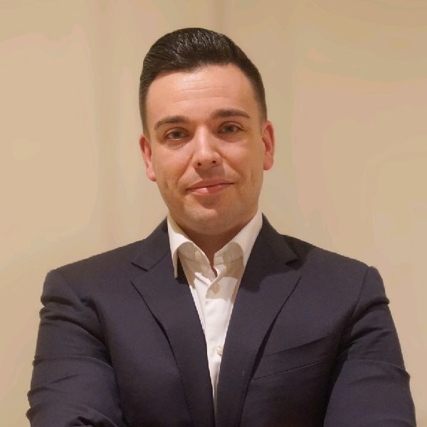 Derrick Foote - CEODerrick has been active in the blockchain industry since 2012, working with BitCoins, OTC, GPU Mining and blockchain consultation.LinkedIn
