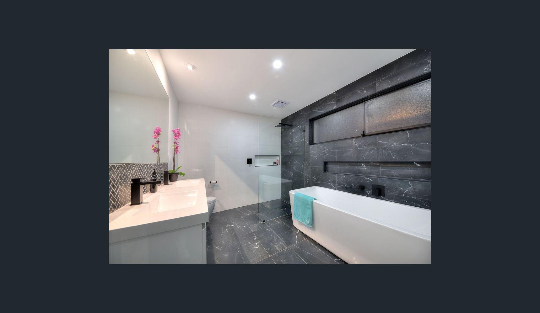 FIRMIN BATHROOM.jpg