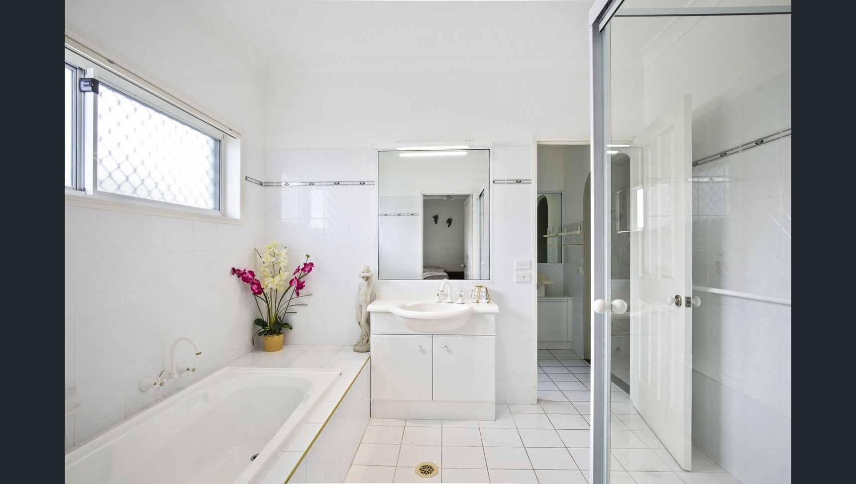 MARTINIQUE BEFORE BATHROOM.jpg