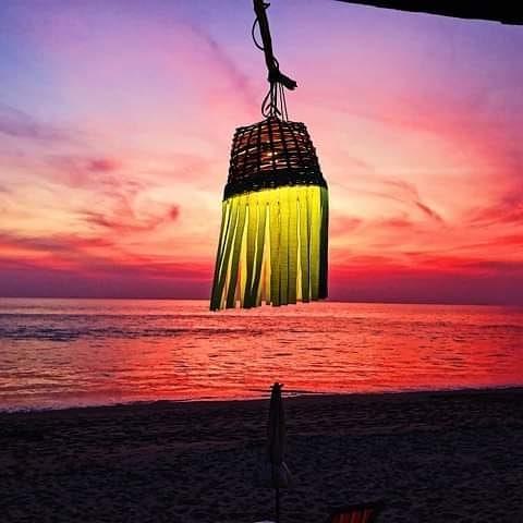 Just stunning here at the Round House....join us . . #lanta #kolanta #kohlanta #krabi #thailand #roundhouse #lantaroundhouse #beach #beachfront #whitesand #chillout #peace #peaceandlove #goodenergy #goodvibes #backpackers #backpacking #travel #traveling #nomad #solotraveller #paradise #beachbar #adventure #chillout #chill #sunset