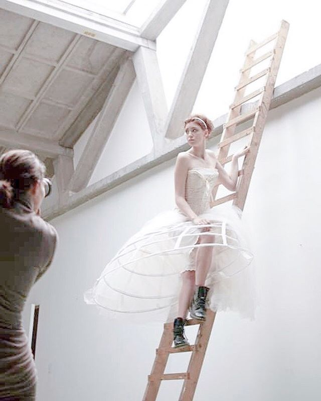 A BTS shot of my latest shoot. This was such a great day with @yentl_meijer_official and @yvette_antoinette at @kunsthuisglue ❤️ #fineart #bts #dress #conceptual