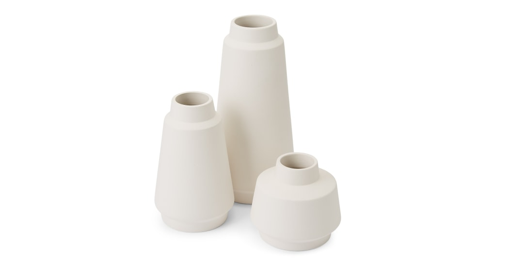 MADE.COM HOA CERAMIC VASES - A beautiful set of minimal vases that will work in any home!