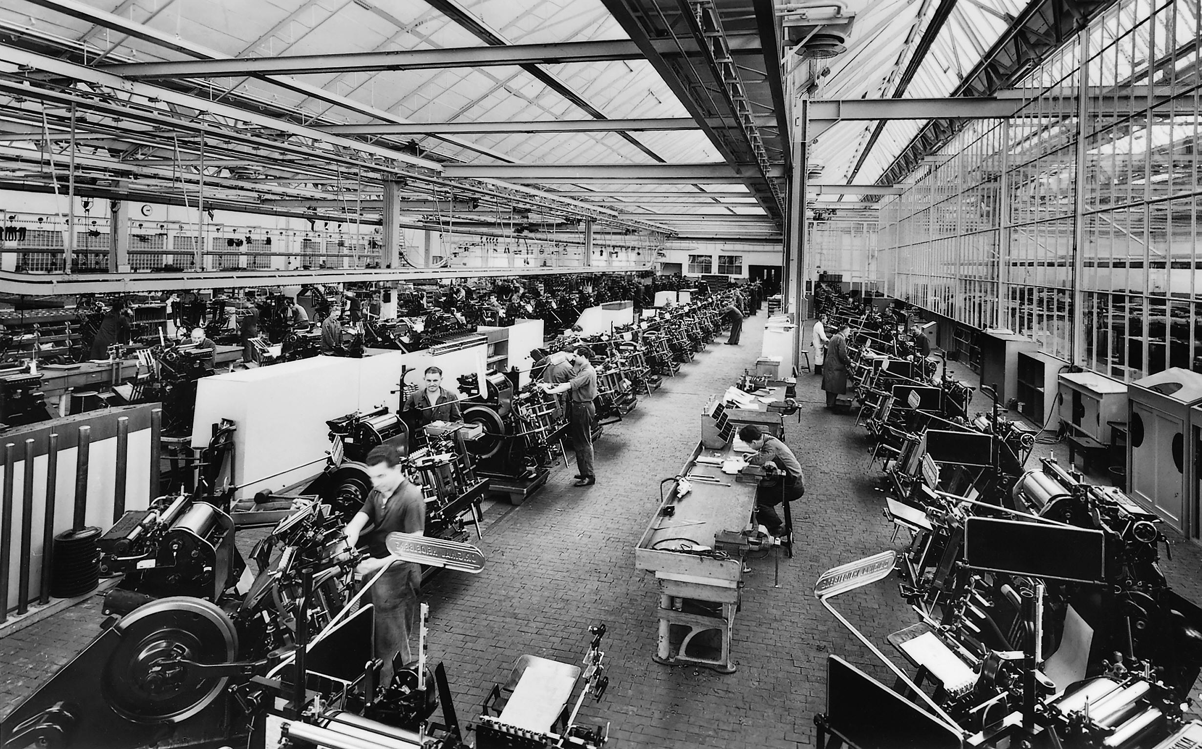 1957_Produktionshalle_Tiegel_Fliessband_011.jpg