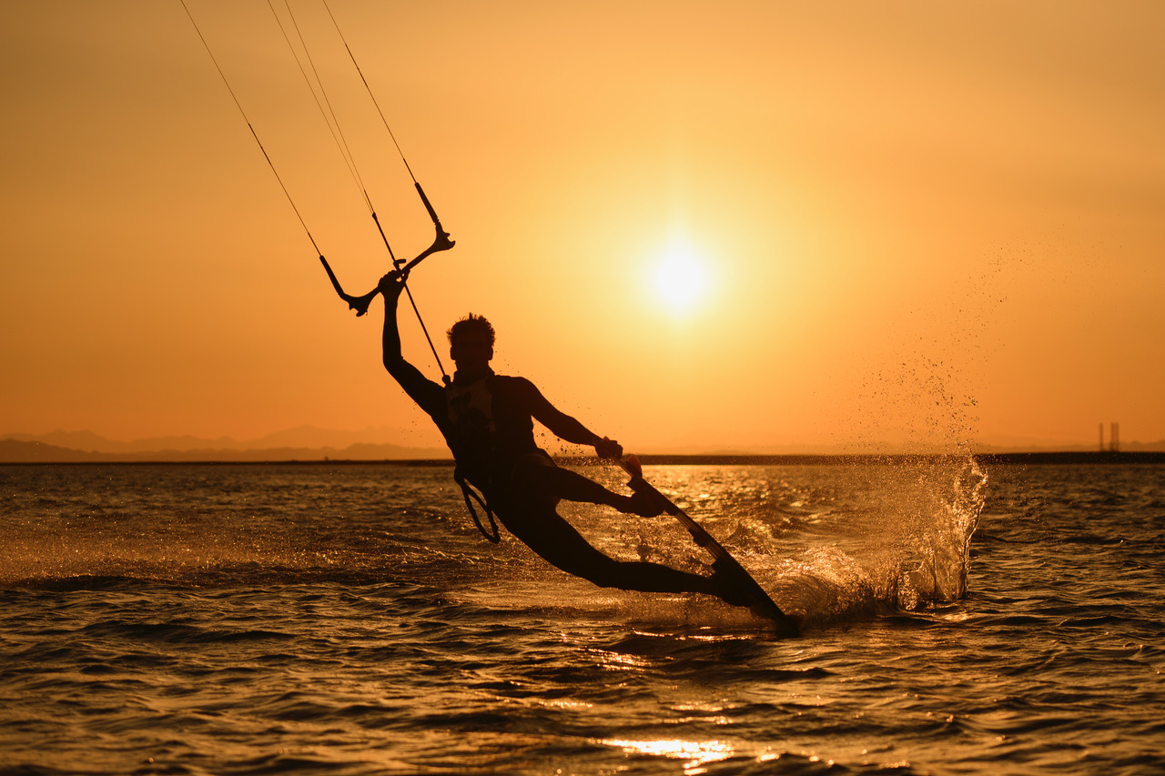 Kitesurf yacht surfari sunset kite.jpeg