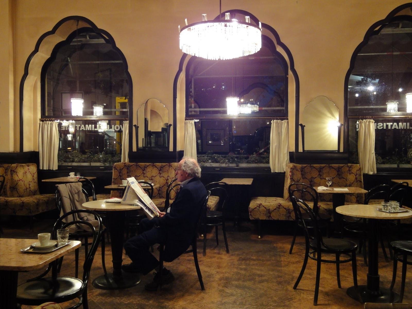 vienna cafe01.jpg