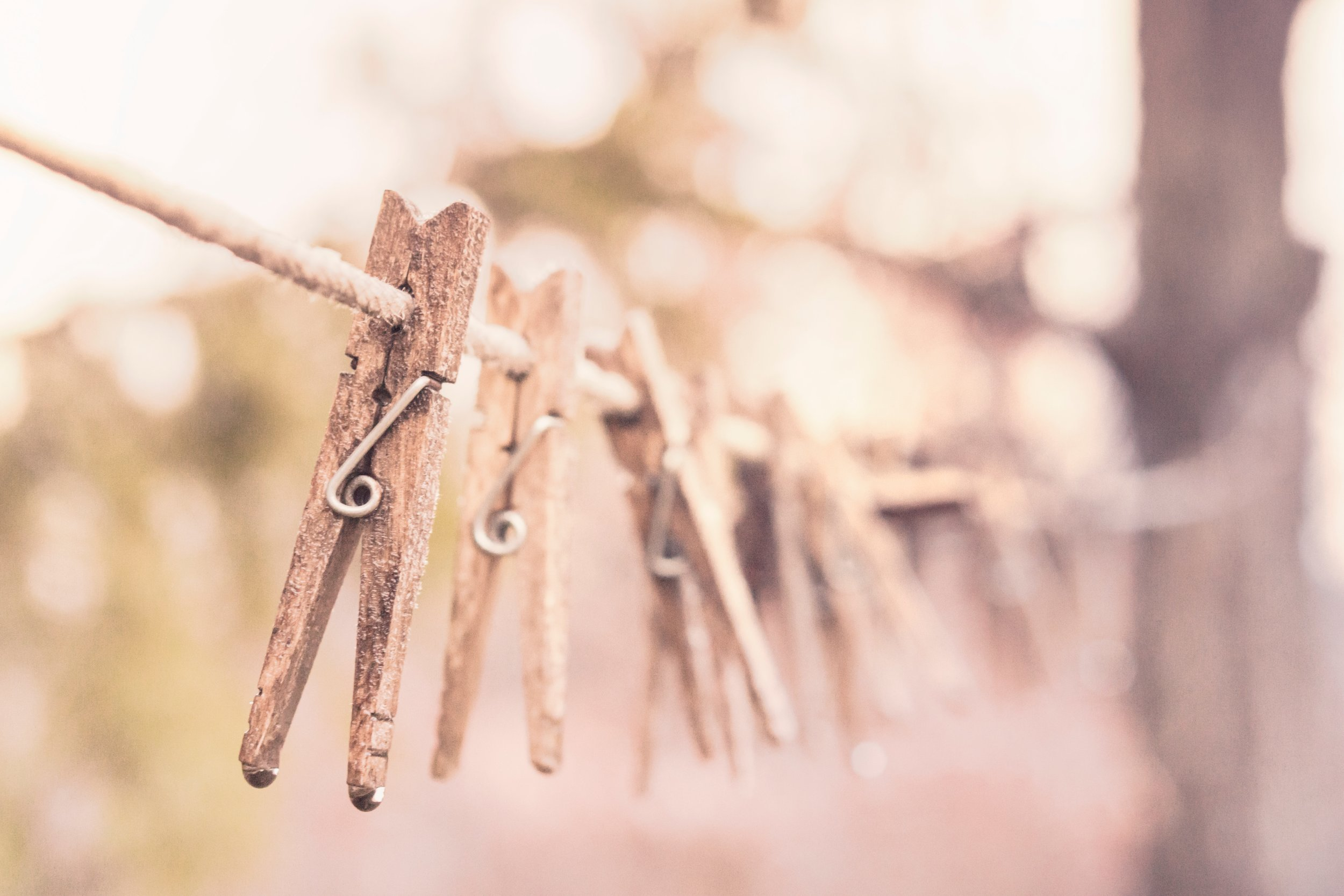 clothes-line-clothes-pegs-clothespins-366.jpg