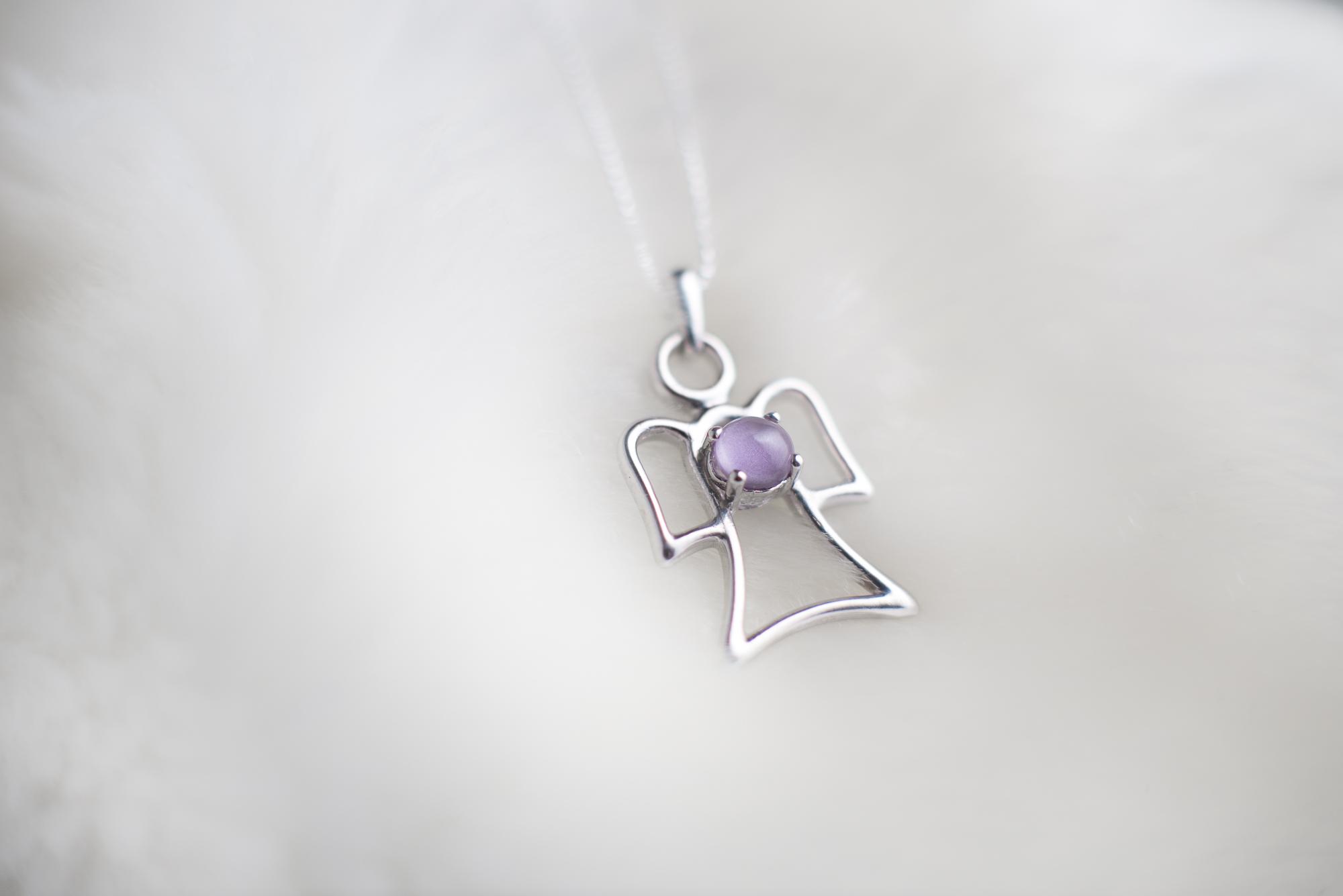 violetwhite2.jpg