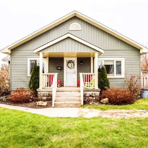 CORNER LOT and quaint.  Walk to downtown from this beautiful 2 bed, 1 1/2 bath bungalow at 94 Fourth St East. Endless tasteful updates - come check it out: .  OPEN HOUSE - SATURDAY until 4pm✅