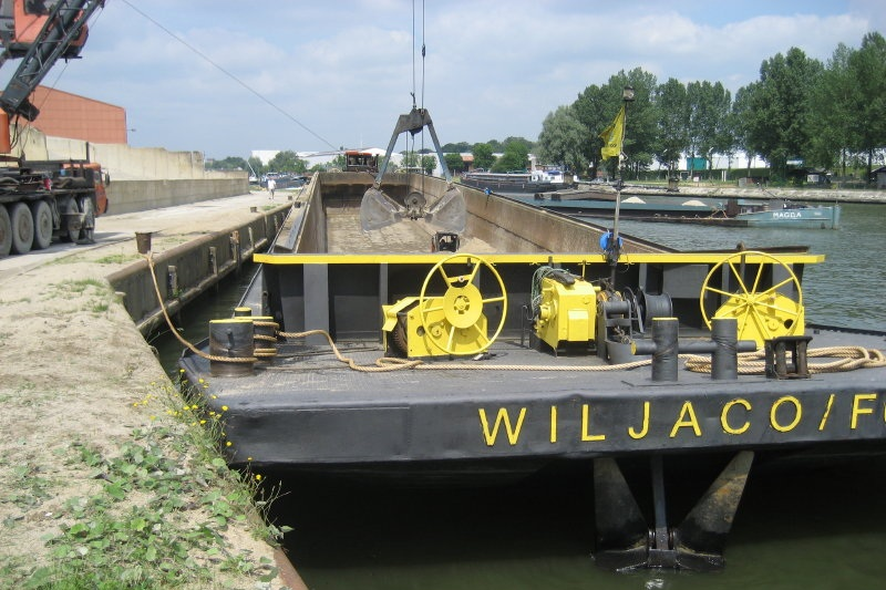 Wiljaco-f6 - Duwbak/pompLengte: 69,96mBreedte: 9,48mDiepgang: 3,12m
