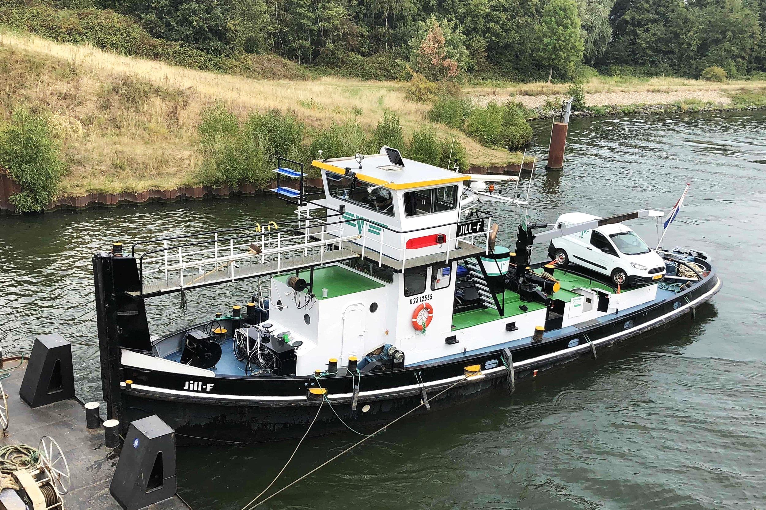 Jill-F - Sleepboot met duwstevenLengte: 23,95mBreedte: 5,95mDiepgang: 2,60m