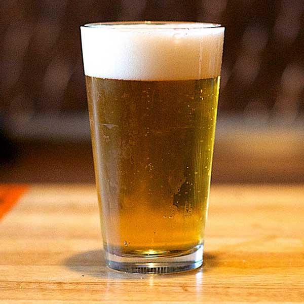 Beer with head.jpg