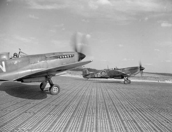 Supermarine Spitfire IXE aircraft of No. 412 (Falcon) Squadron, RCAF, preparing for takeoff.Credit: Canada. Dept. of National Defence / Library and Archives Canada / PA-136915   Credit: Canada. Dept. of National Defence / Library and Archives Canada / PA-136915