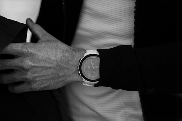 Feeling artsy today. The Suunto 9 blends (tons of) function with style you can confidently wear with just about anything. #stylefordays #blackandwhitearmy #watches #suuntomultisportteam #suunto9