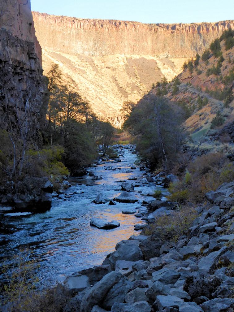 Crooked River Canyon 1.jpg