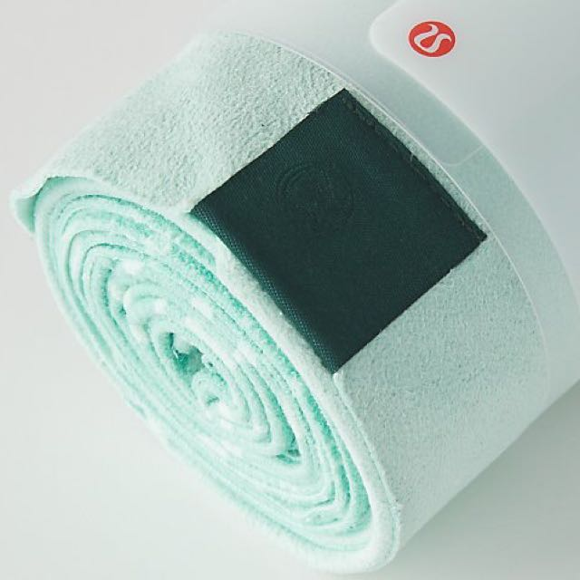 Lululemon Hand Towel - Even though here at Beatbike we offer a free towel service, some prefer to bring their own. This way you can take it on the go with you if you're running to another place after class and still need to towel off all the sweat.