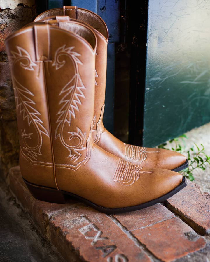 Kat Mendenhall    Having Handmade (in Texas) Vegan leather cowboy boot is now possible!  Thanks to Kat Mendenhall, a Texas Vegan Activist!