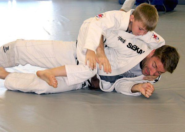 jujitsu-father-and-son-680-600x430.jpg