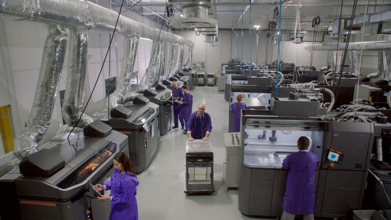 HP 3D MultiJet Fusion printers in Smile Direct Club's production facilities