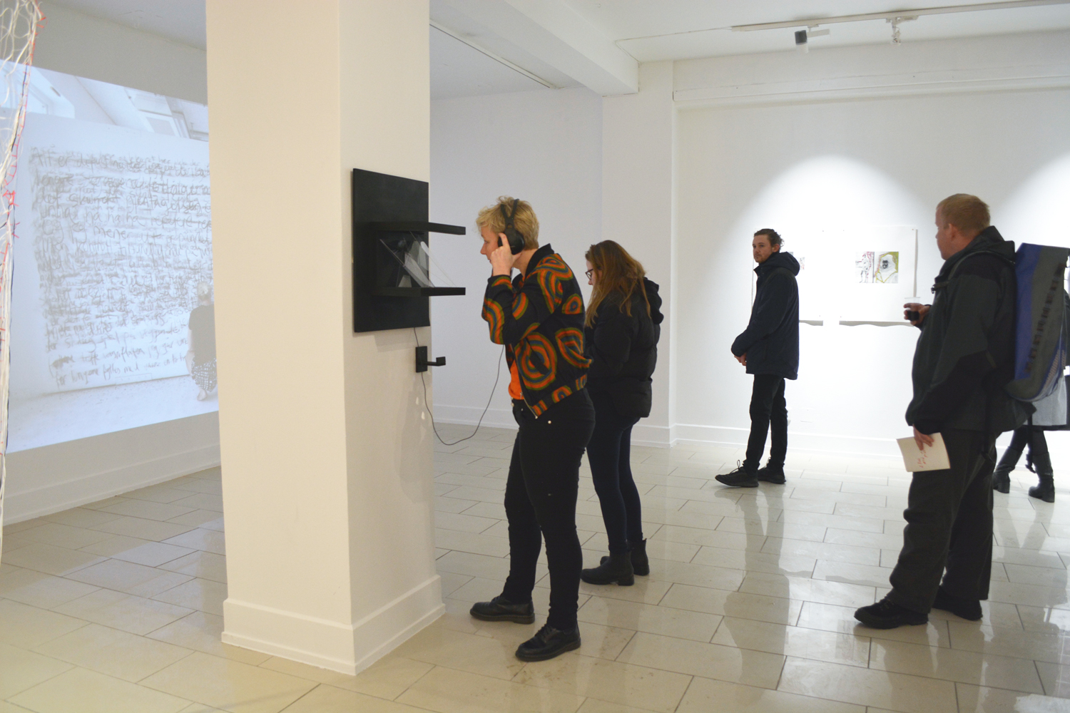 a-lick-and-a-promise-vernissage-13-web.jpg