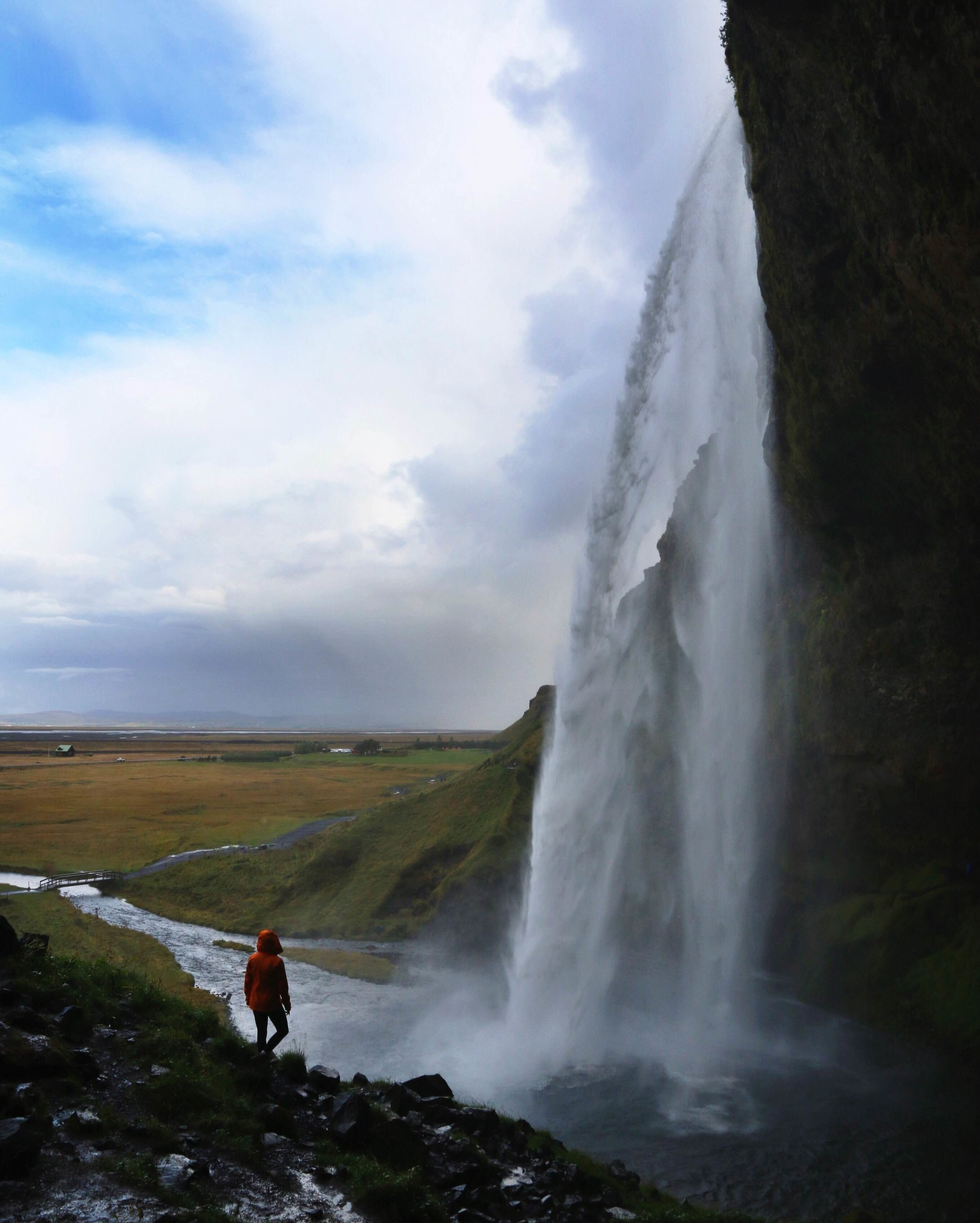 iceland-big-waterfall-1