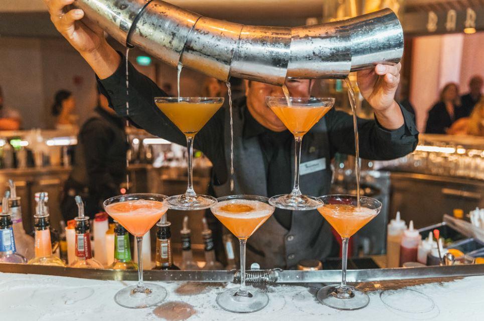 celebrity summit: Martini bar (photo by read set jet set)