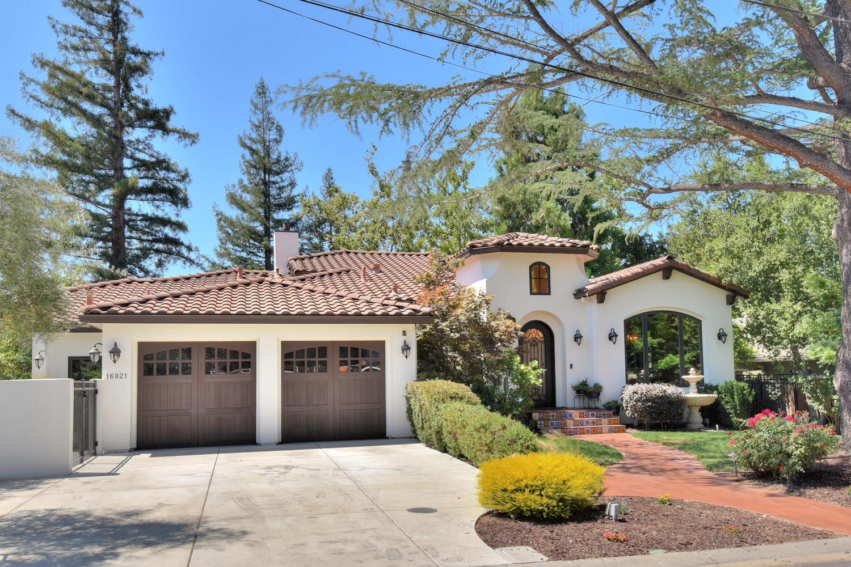 16021 Winterbrook Rd Los Gatos-large-005-069-Front Garage View-1500x1000-72dpi.jpg