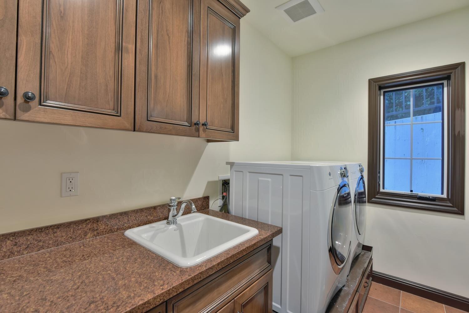 16021 Winterbrook Rd Los Gatos-large-030-028-Laundry Room-1499x1000-72dpi.jpg