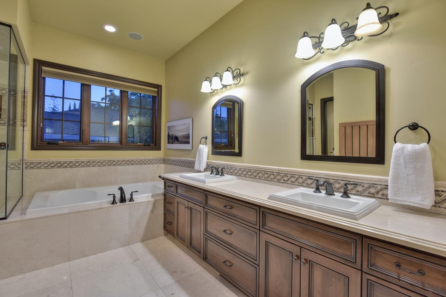 16021 Winterbrook Rd Los Gatos-large-037-002-Master Bathroom-1499x1000-72dpi.jpg