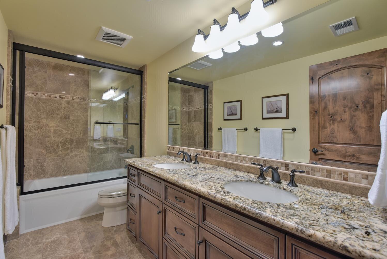 16021 Winterbrook Rd Los Gatos-large-045-042-Bathroom Three-1499x1000-72dpi.jpg