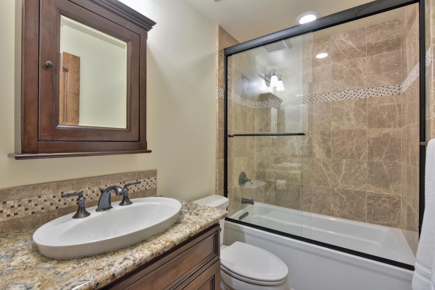 16021 Winterbrook Rd Los Gatos-large-046-046-Bathroom Four-1499x1000-72dpi.jpg