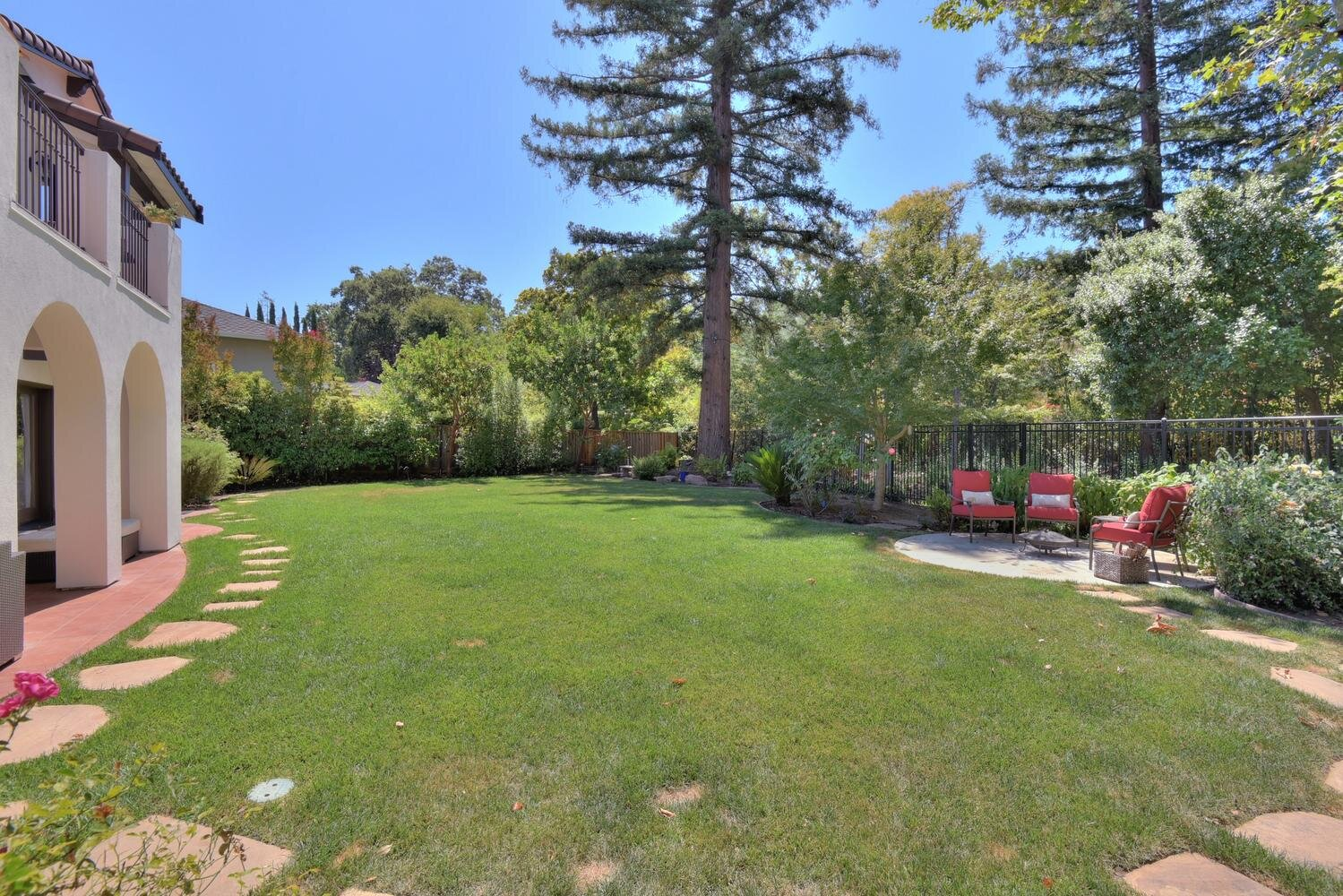 16021 Winterbrook Rd Los Gatos-large-069-065-Backyard View-1499x1000-72dpi.jpg
