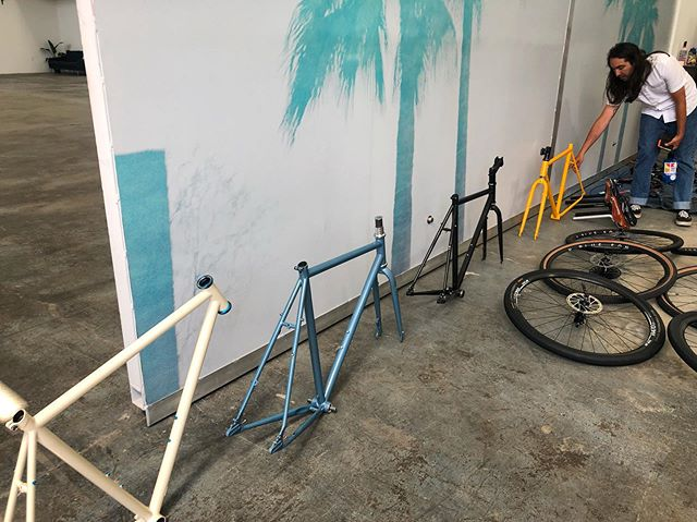The color palette from @missionbicycle is 👌🏽👌🏽👌🏽👌🏽. Check out their kickstarter video for their newest frame and support now!  #bts #supportlocalbusinesses #bikemoredriveless
