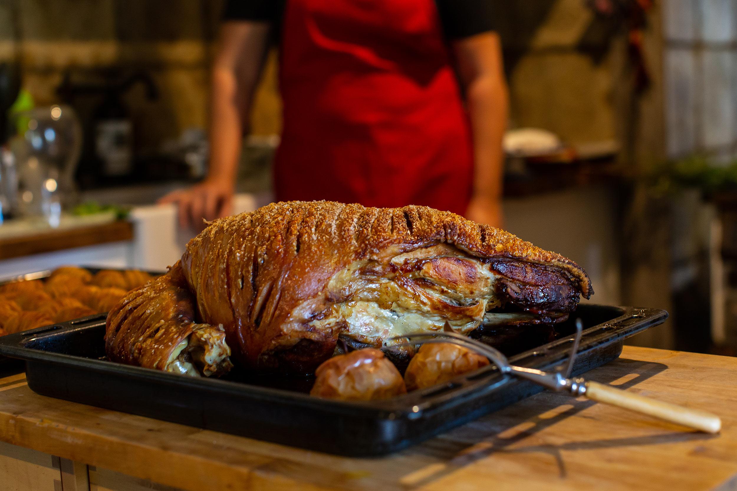 great-lakes-food-trail-long-table-farm-roast-pork.jpg