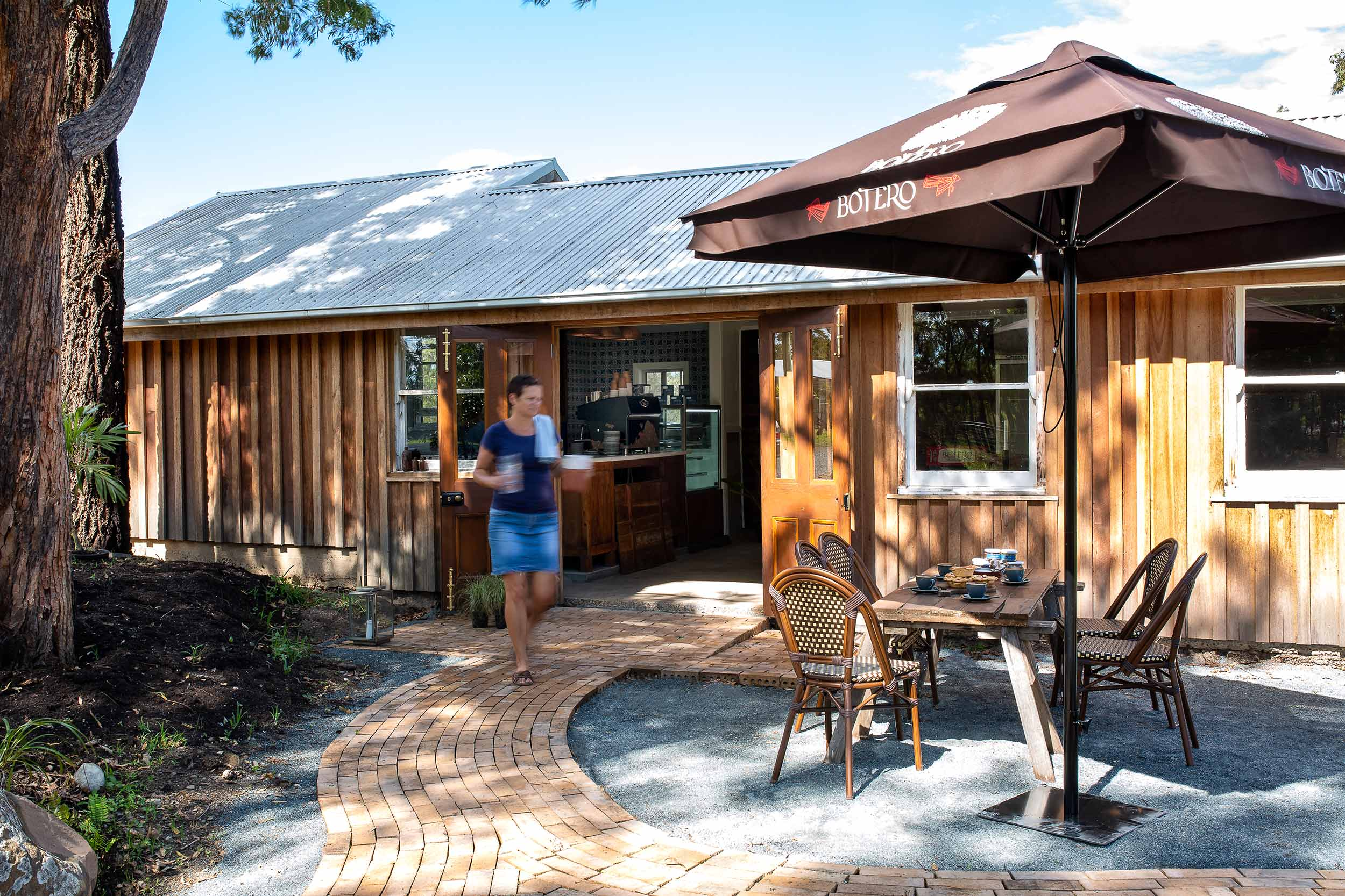 glft-valley-view-farm-co-cafe-outside.jpg