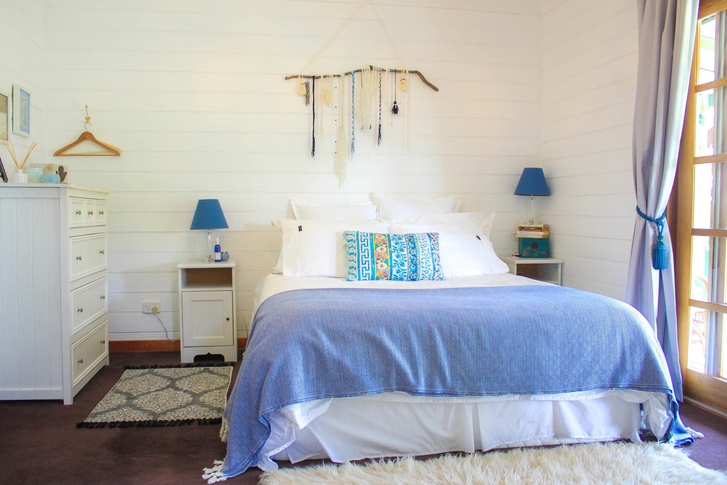glft-billabong-cottage-Cornflower-room-bnb.jpg