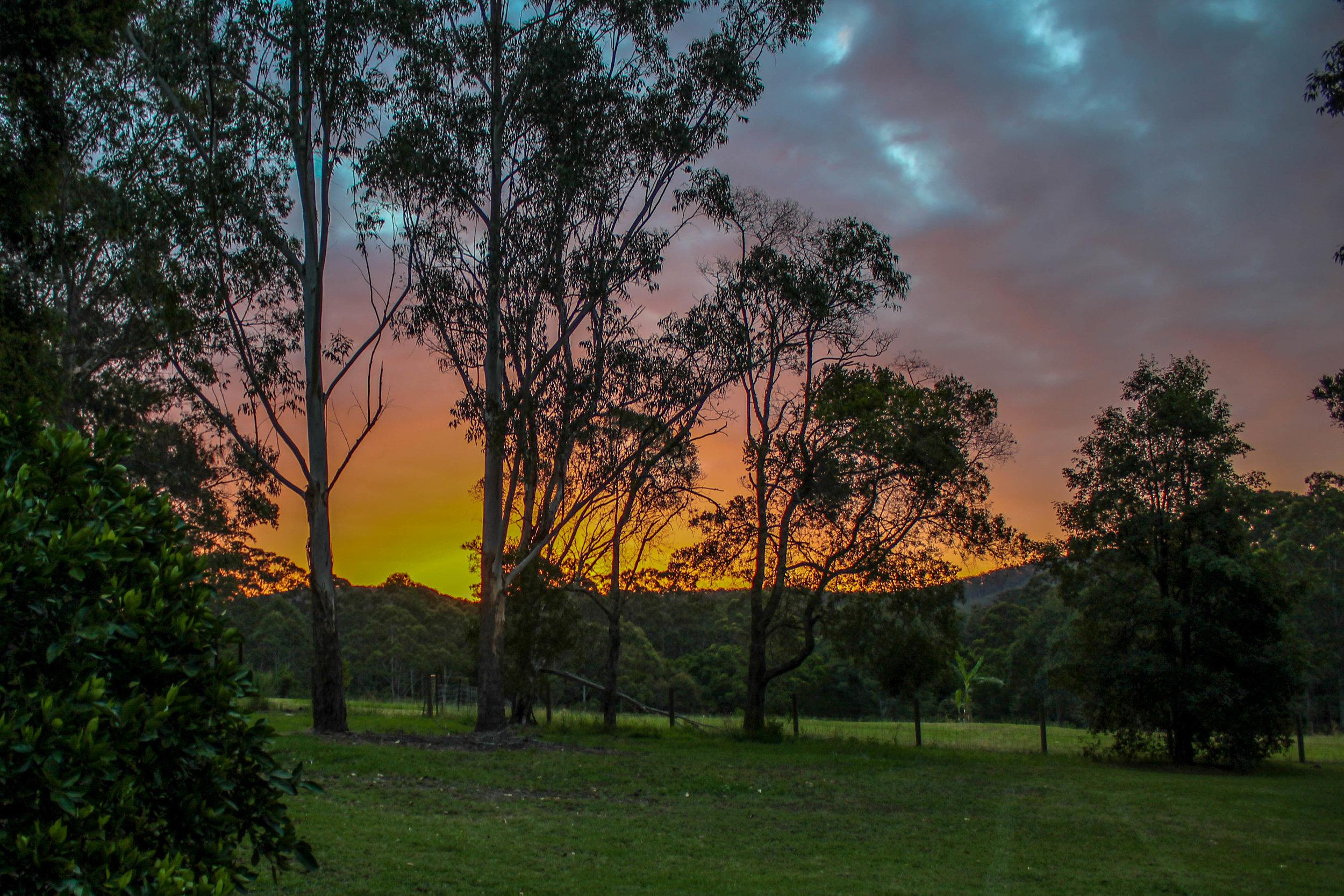 glft-billabong-cottage-sunset 1.jpg
