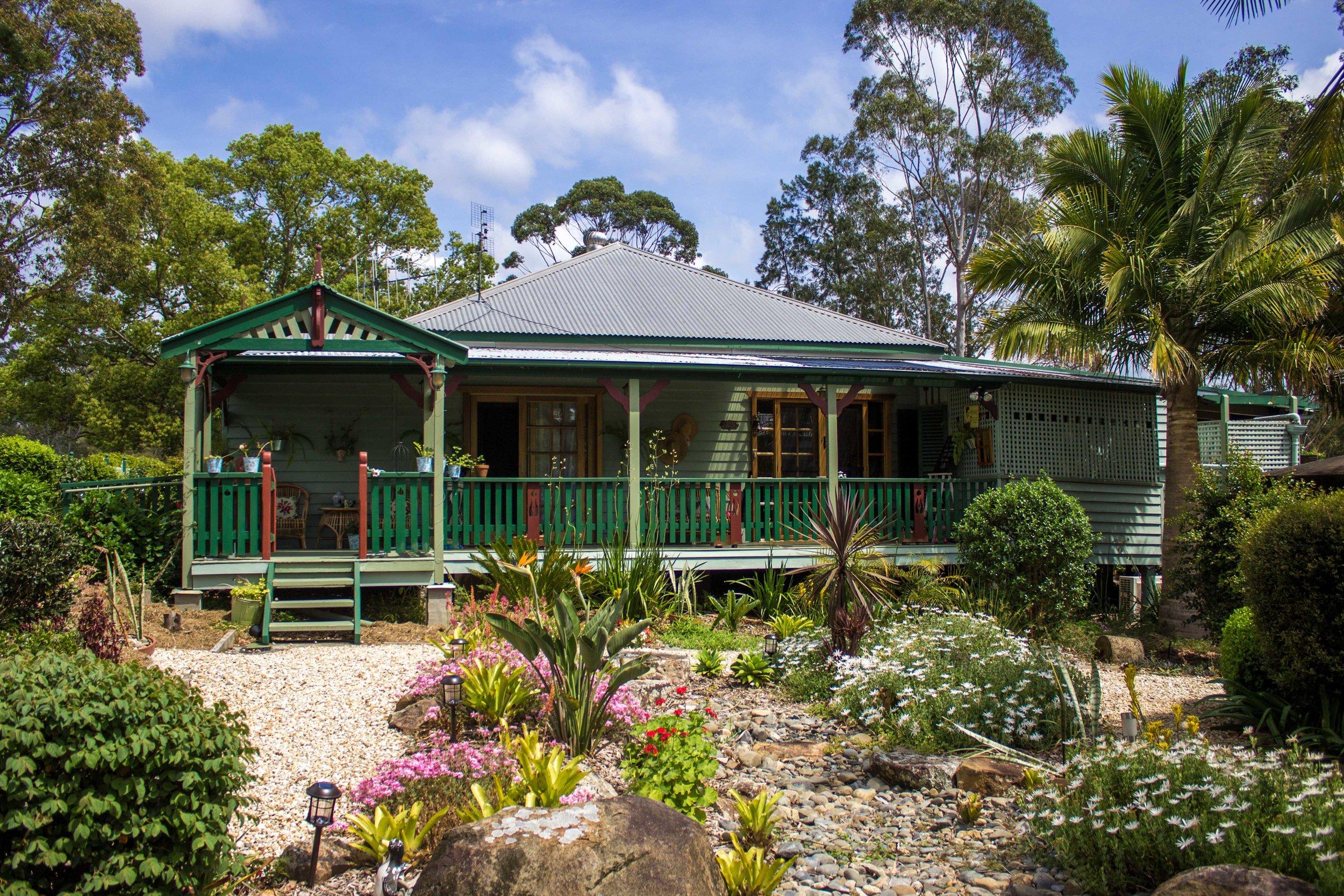 glft-billabong-cottage-entrance .jpg