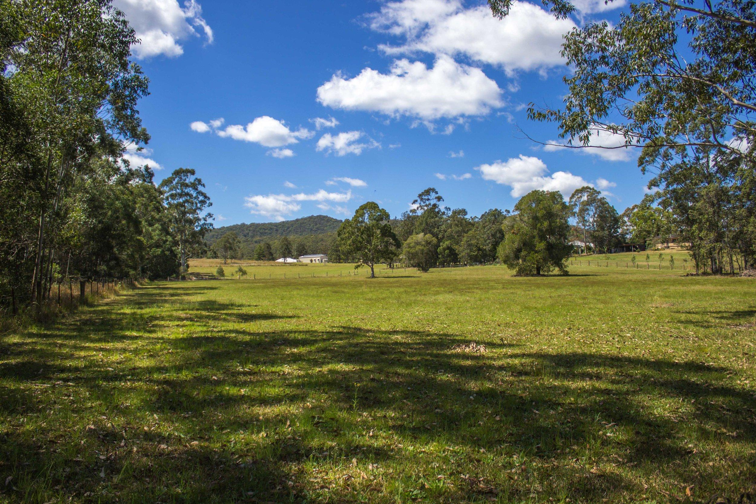 glft-billabong-cottage-fields.jpg
