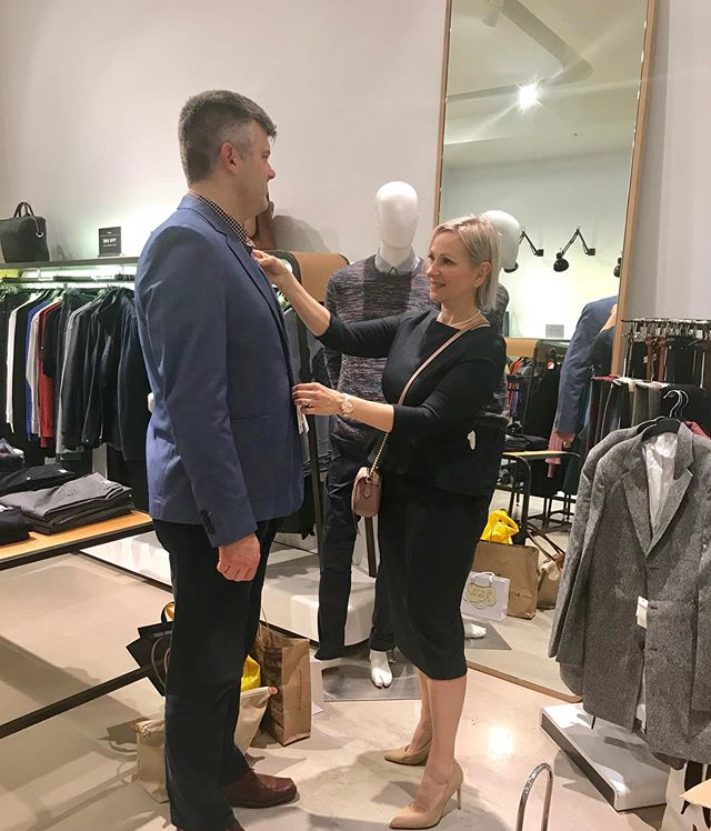 What is your personal brand? Is it congruent with your values? Elevate your style, ensure your clothes fit and flatter you.  #nonverbalcommunication #personalbranding #personalshopper @marcs_clothing #stylist #personalstylist #mensstylist #stylish #suit #tailoring #careerdevelopment #melbourne #shopping #fashionstylist #fashion #stylish #instastyle #instagood #instagram