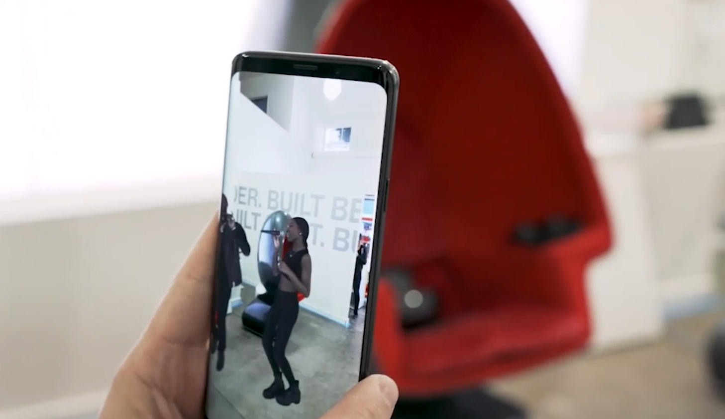 This AR prototype explored shoppable moments and opportunities for e-commerce.