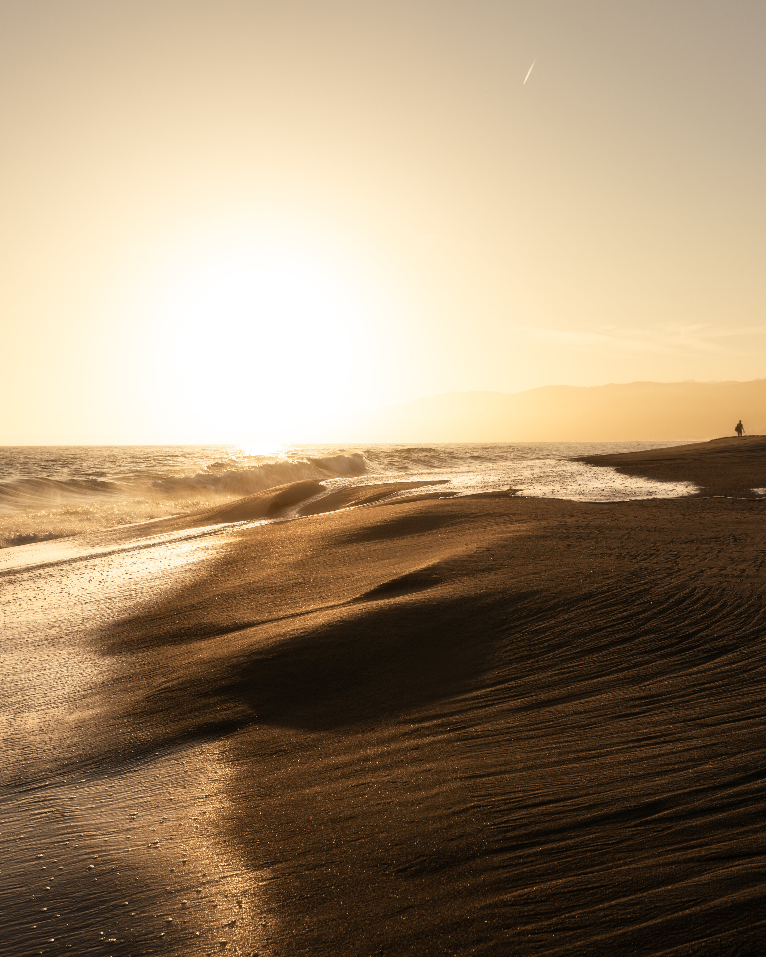 Lone Beach_ForiPhoneRe-Edit.jpg
