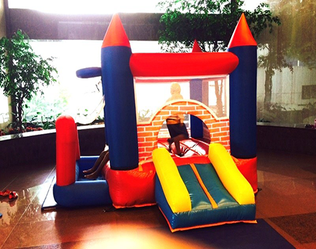 At active interactions, we make sure that your birthday party,family day out is one you can never forget for a longtime. We also have the most sort after ball pit pool in Singapore   Size: L300 x B300 x H250cm