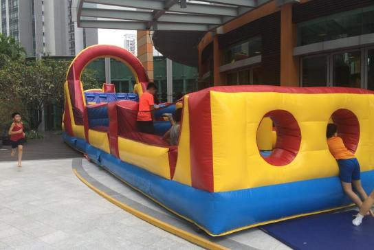 Are you looking for an affordable bounce castle in Singapore? At active interactions, we have large and medium sizes of castles for birthday parties,regardless of your children ages . Contact us today for our services .   Size: L1400 x B350 xH420cm