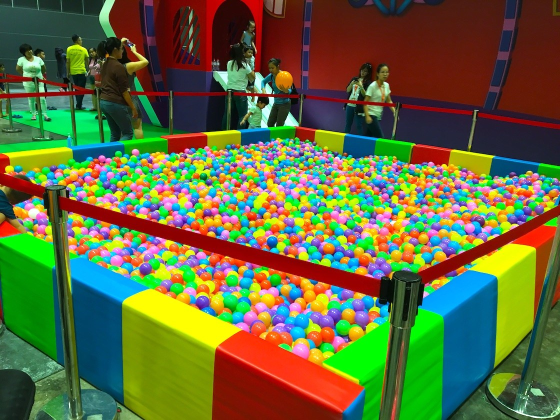 Treat your child to a (company name Singapore) ball pit and party rental services. Our party rental services are un-rivaled in Singapore, as we offer the best premium ball pit for toddlers, children, teenagers and adult. Our ball pit can be setup indoors or outdoors so you don't have to worry about the weather ruining the perfect birthday party for your kids.