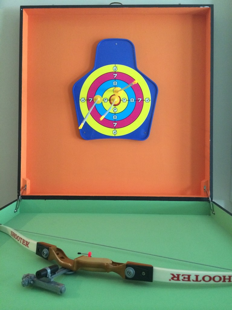 A mini archery game suitable and safe for all ages, test your archery skills at this carnival game!